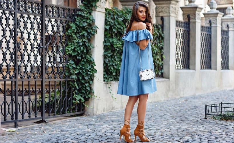 платье из денима с саржевым переплетением