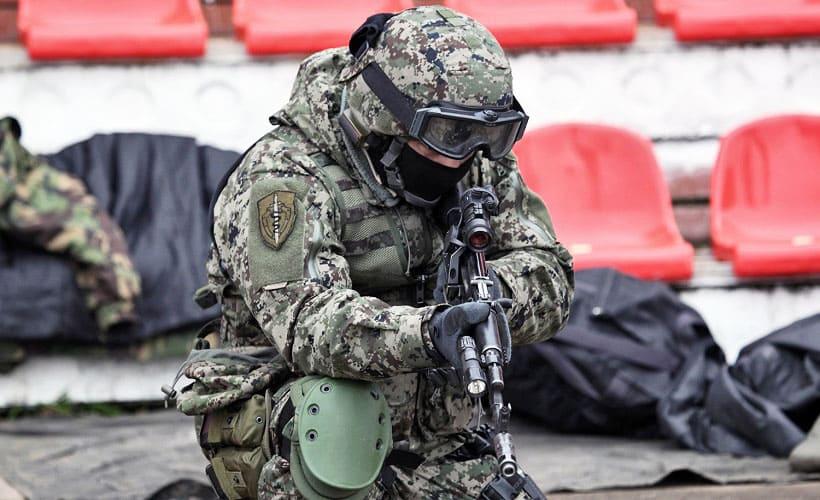 военная форма из смесовой ткани