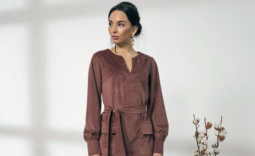 платье из ткани в рубчик