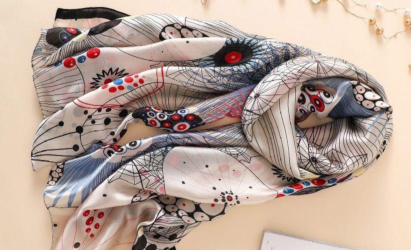 платок из ткани фуляр