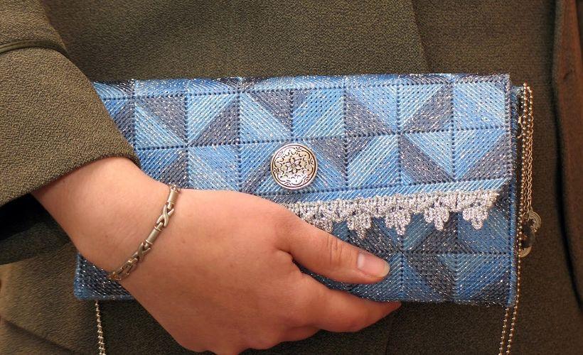 сумочка из канвы
