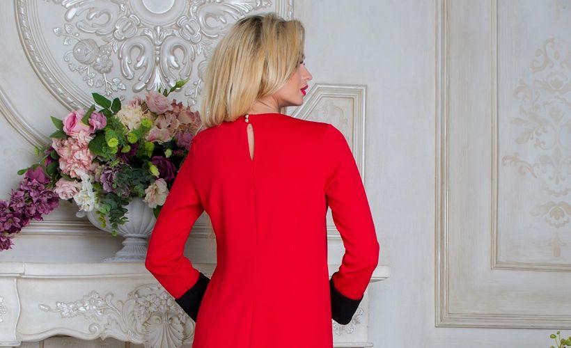 платье из трикотажа соты