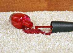 пятно от лака для ногтей