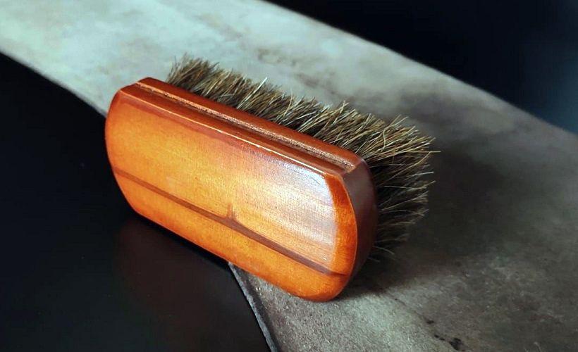 щетка для чистки кожи