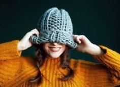 растянувшаяся шапка